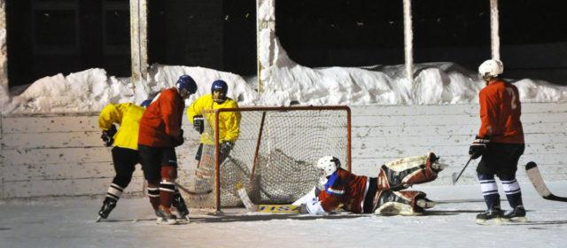 Байрам стал победителем чемпионата Кудымкара по хоккею