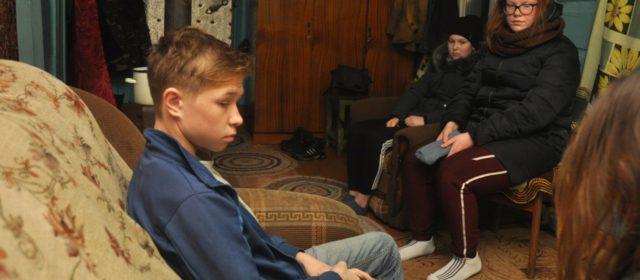 На деревенской дороге в Кудымкарском районе школьники попали в ДТП с лесовозом