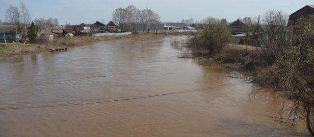 Уровень воды в Иньве за ночь уменьшился
