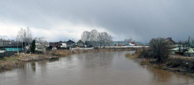 Уровень воды в Иньве опустился до двух метров