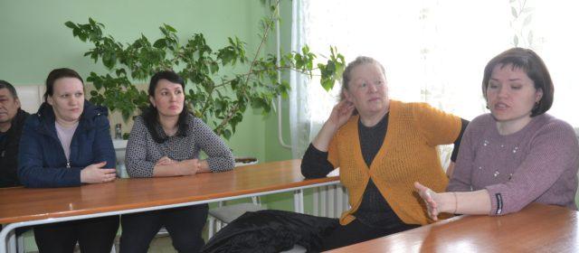 Жители Егорова просят не закрывать в их деревне школу