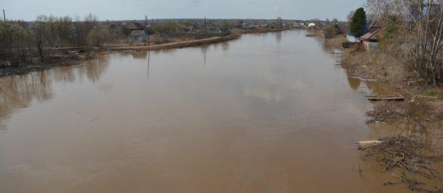 Уровень воды в Иньва вырос до 426 см