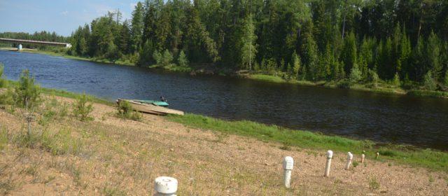 В паводок вода в Усть-Черной зашла в огороды и дома. Но власти не объявили режим ЧС