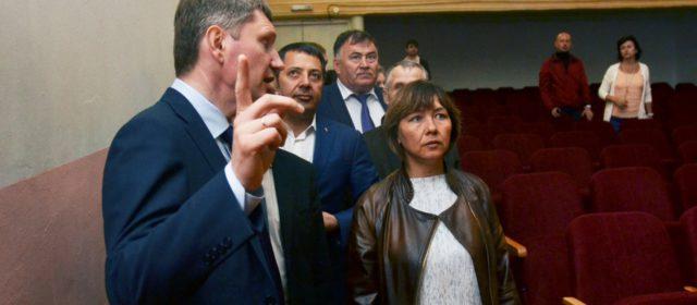 Открыть кинозал в Верх-Иньве предложил губернатор. Местные власти говорят: на это должен быть спрос
