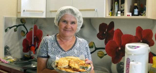 Римма Калинина и ее луковые пирожки на сырном тесте