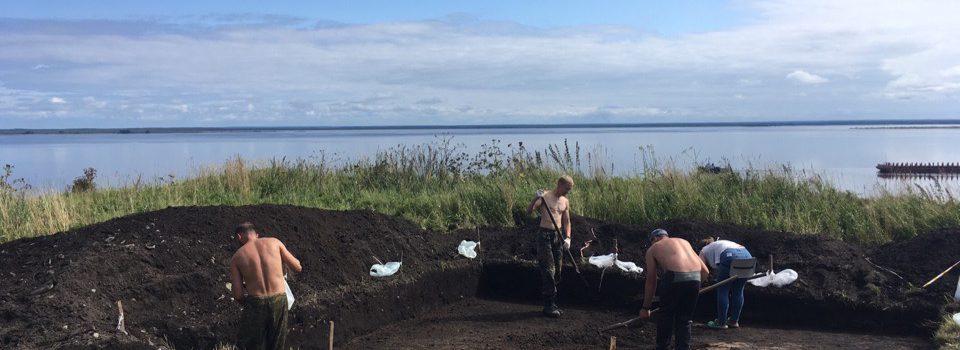 Археологи приехали в Юсьвинский район. Они работают на Родановом городище